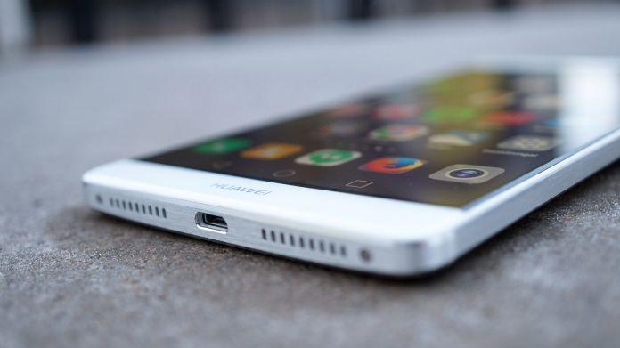 Huawei Mate 8 Recension microUSB