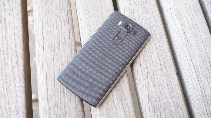LG V10 Recension baksida