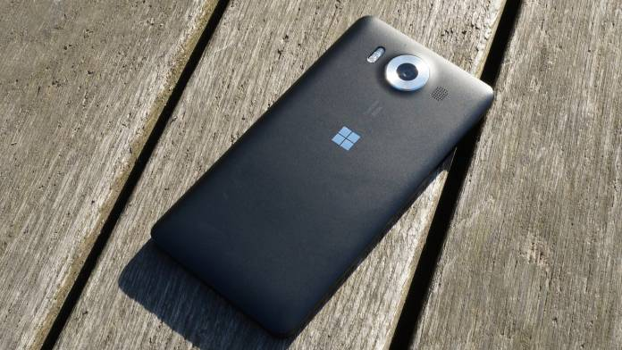 Microsoft Lumia 950 Recension baksida