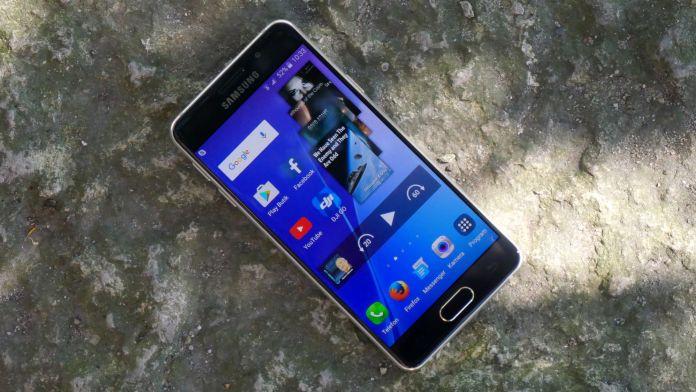 Samsung Galaxy A3 Recension Framsida
