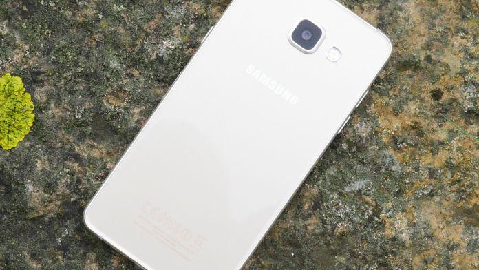 Samsung Galaxy A5 2016 Recension baksida 2
