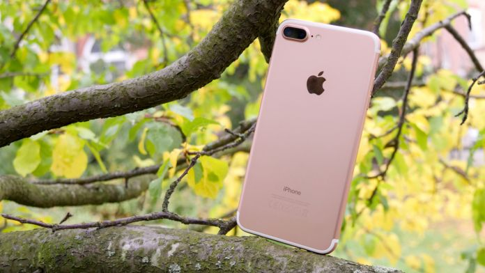 apple-iphone-7-plus-recension-baksida