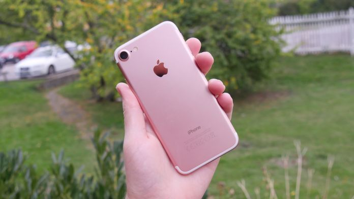 iphone-7-recension-baksidahand
