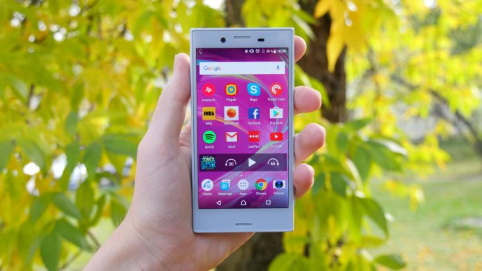 sony-xperia-x-compact-recension-forsta