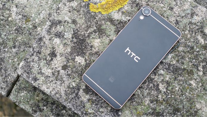 htc-desire-10-lifestyle-recension-baksida