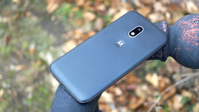 lenovo-moto-g4-play-recension-baksida