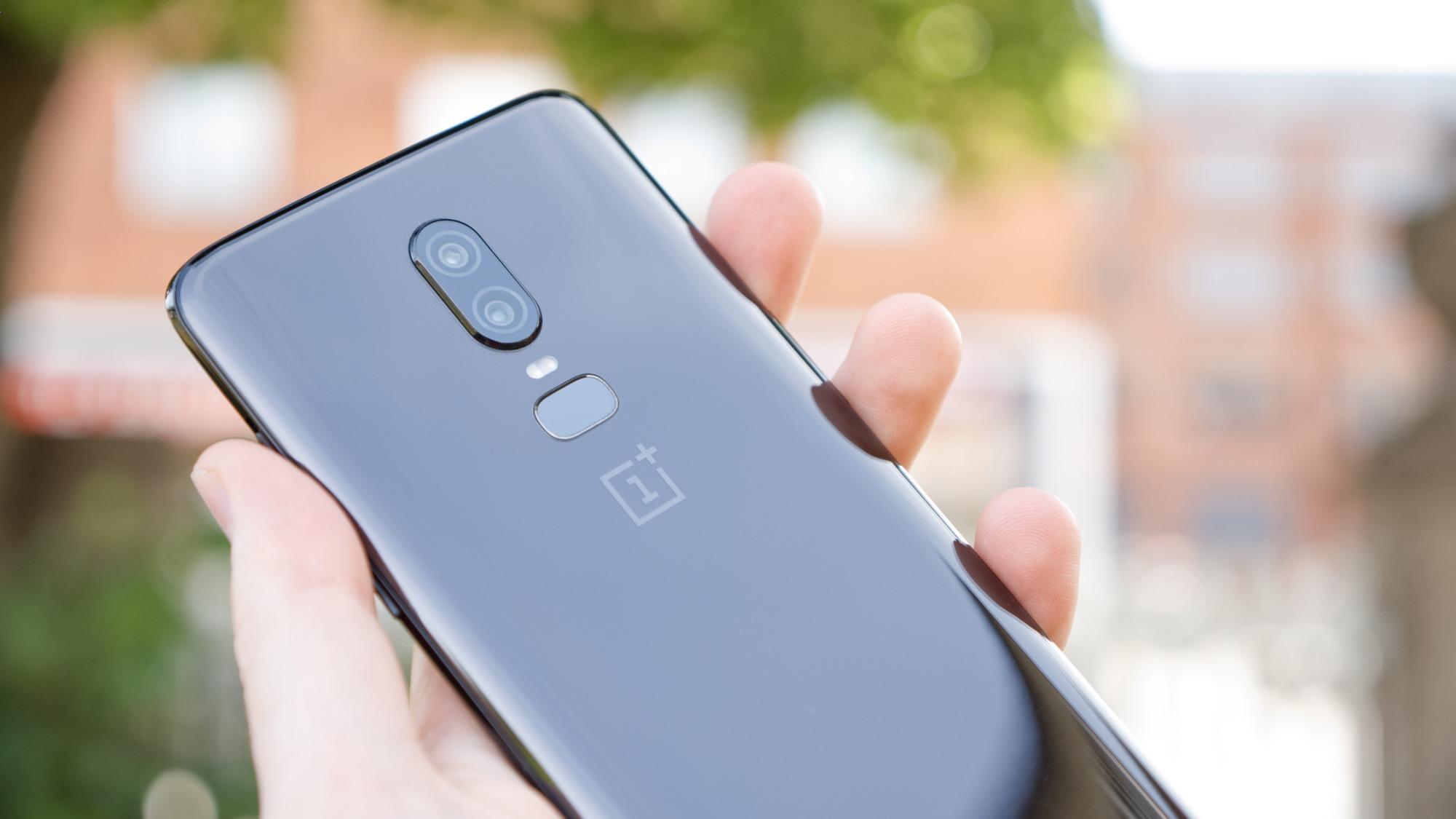OnePlus 6 har tagit ett ordentligt steg framåt med sitt nya kamerasystem.  Det presterar bra i både ljusa och mörka miljöer och har hittat en bra nivå  av ... ce5c4a86f607a