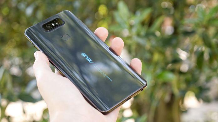 Test Asus ZenFone 6 baksida