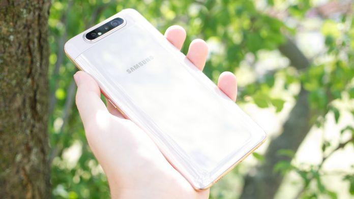 Test Samsung Galaxy A80 baksida