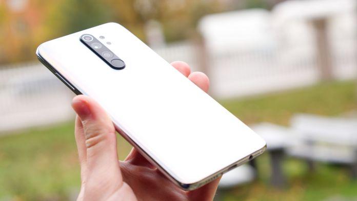 Recension Xiaomi Redmi Note 8 Pro baksida