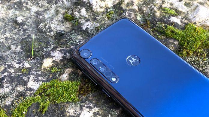 Test Motorola One Macro