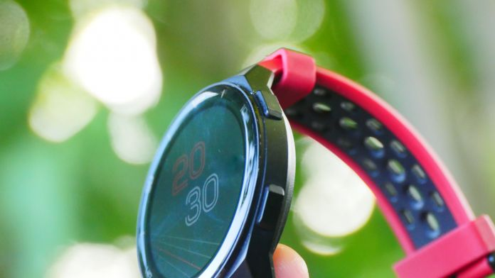 recension Huawei Watch GT 2e knappar